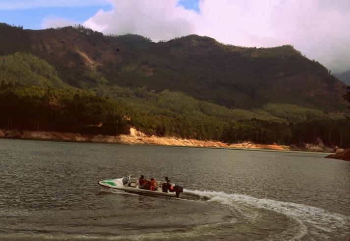 Speedboating at Madupatty Lake